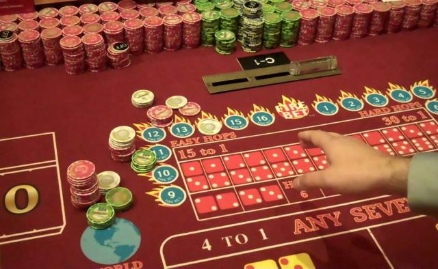 Craps Table Layout: How to Make a Profit?
